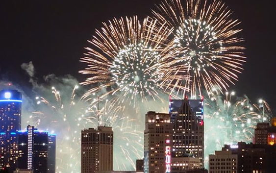 Fireworks Displays In Detroit Michigan FreeInDetroit Fireworks Shows July 4th 2106